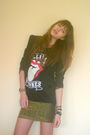 Black-stylesofia-shirt-gold-stylesofia-skirt