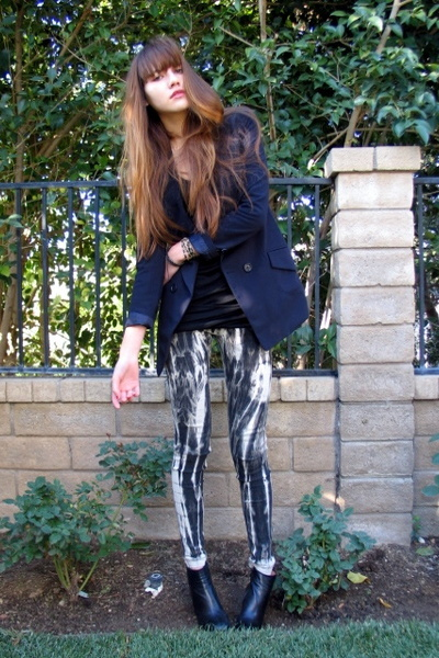 blue Forever 21 blazer - black stefane kelian shoes - black 6126 leggings
