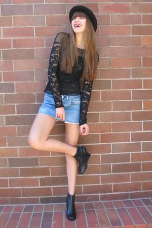black vintage top - black stefane kelian shoes - blue Levis skirt