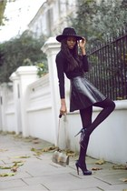 black faux leather Topshop skirt - navy studded H&M hat