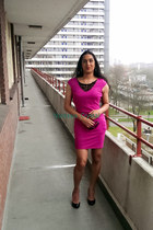 hot pink polyester Vila dress - black leather Ivanka Trum pumps