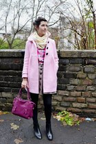 light pink vintage coat - black ankle boots Daniel boots