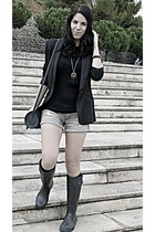 black blazer - black bag - dark gray shorts