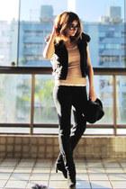 black Zara vest - black Arezzo boots - black Zara hat - black Siberian leggings