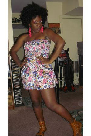 pink Kahlias Emporium earrings - pink Belks shorts - brown Charlotte Russe shoes