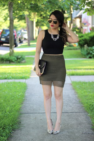crop furor moda top - snakeskin Nine West heels - olive Cheap Monday skirt