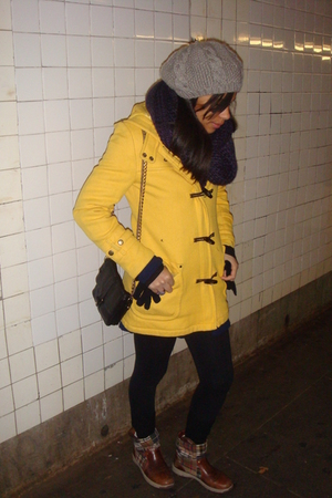 H&amp;M hat - Zara scarf - American Eagle coat - Urban Outfitters purse - Tommy Hilf