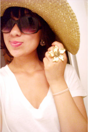 white Target t-shirt - beige love couture hat - black Forever 21 sunglasses