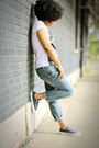 Light-blue-boyfriend-jeans-f21-jeans-white-hendrix-tee-f21-t-shirt