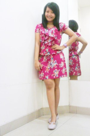 bubble gum floral print H&M dress
