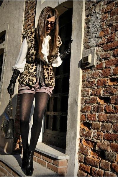 vintge shorts - asos boots - Stefanel coat - Chanel bag - Zara blouse
