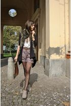 beige vintage shorts - brown vintage - beige asos boots - black asos socks - bei