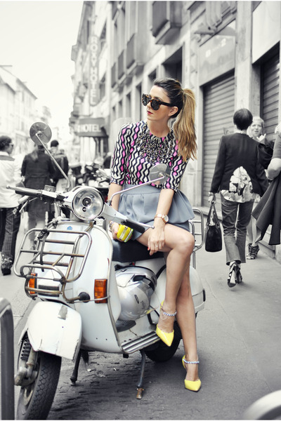 heather gray milly skirt - hot pink mlly t-shirt - yellow Carvela sandals