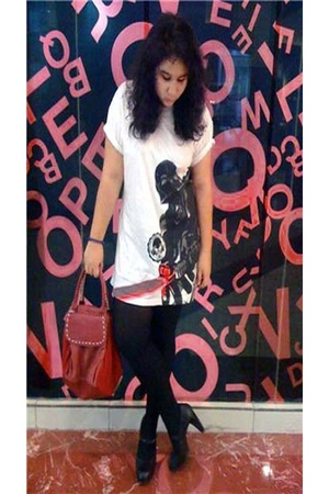 white shirt - black tights - black wimo shoes - red purse
