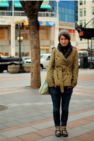 blue jeans - black shoes - gray scarf