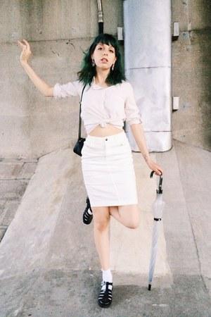 white pencil skirt Uniqlo skirt - ivory Bershka shirt - black sandals