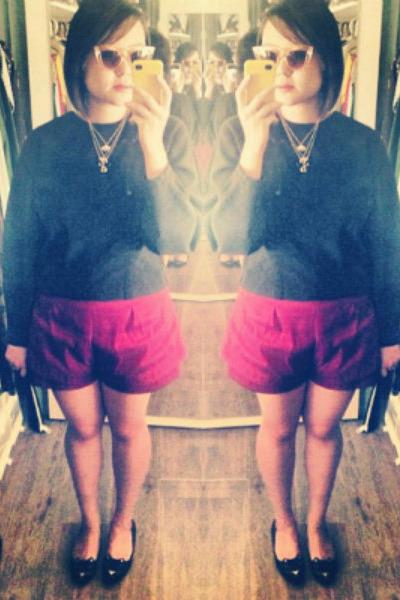 black untitled purse - ruby red asos shorts - peach Sportsgirl sunglasses