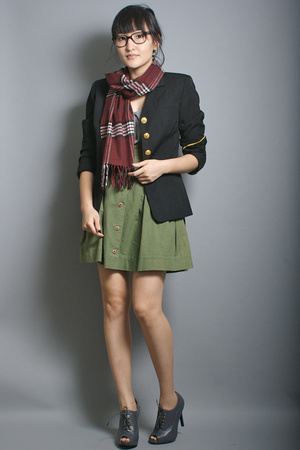 neneee vintage blazer - London Fog scarf - new york & co top - neneee skirt