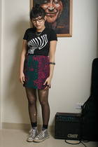 neneee shirt - vintage skirt - Converse shoes - tights
