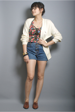 steeplechase sweater -  vintage shorts - bruno valenti shoes - neneee top