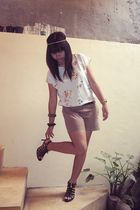 blue vintage blouse - beige Details shorts - black ladylike shoes