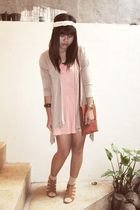 beige Magnolia cardigan - pink Gaudi dress