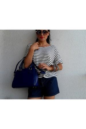 navy twinkledeals bag - blue romwe shorts - black Choies blouse