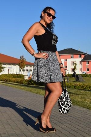 swarovski bracelet - Guess sunglasses - H&M skirt - Guess watch - Yessica pumps