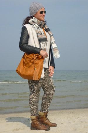Deltex boots - Sheinside coat - Even&Odd bag