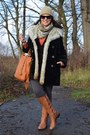 Montgomery-warm-coat-calzedonia-leggings-even-odd-bag-guess-sunglasses