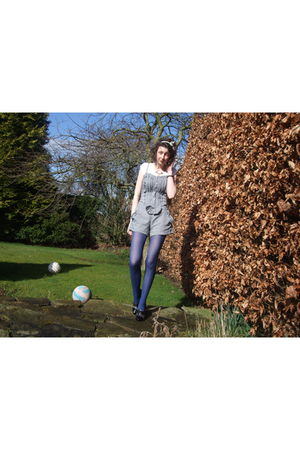 white H&M t-shirt - blue Primark tights - white H&M accessories - blue Accessori