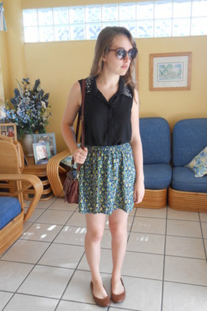 floral cotton kirra skirt - Charming Charlie bag - turtle merona sunglasses