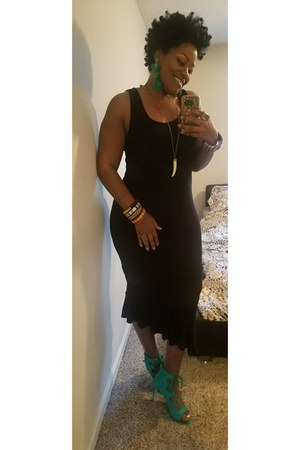 green Nine West heels - black asos dress - green asos earrings