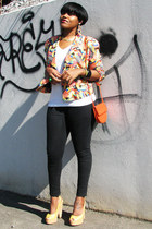 carrot orange graphic pattern August Silk jacket - black Levis jeans
