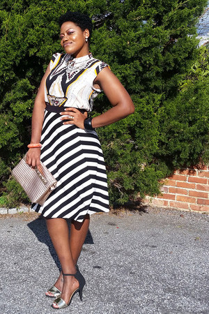 black stripes skirt - white tribal blouse