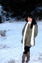 Quipid boots - Charlotte Russe leggings - Forever 21 earrings