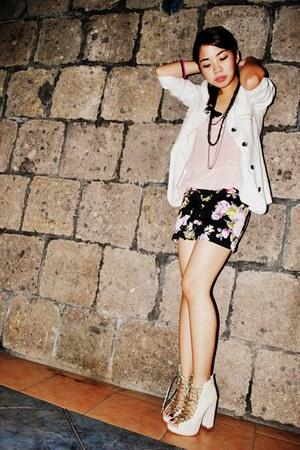 white moms closet blazer - light pink shirt - black skirt - ivory shoes