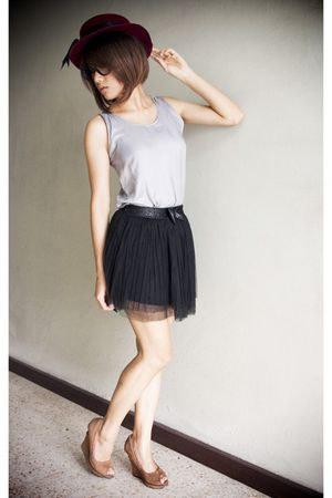silver shirt - black skirt