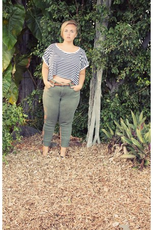blue shirt - army green high waist pants - dark brown thin belt