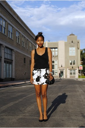 black Sisley top - white Zara shorts