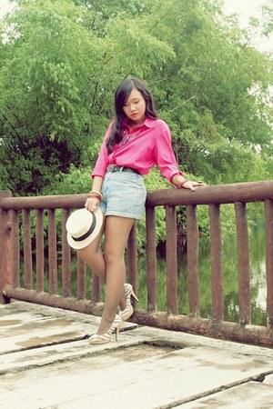 beige boater hat Trinkets Royale Manila hat - sky blue shorts - Ruckus accessori