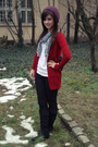 Red-zara-cardigan-black-new-yorker-white-colors-of-the-world-t-shirt-black