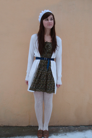 white tights - brown Zara shoes - green Zara dress - white cardigan