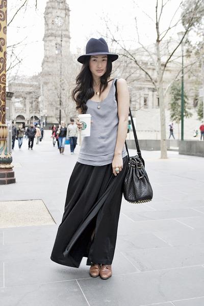 gray thrited top - black vintage skirt - blue akubra hat - black Alexander Wang