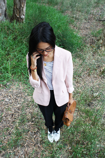 pink vintage blazer - white Orbit shoes - black vintage pants