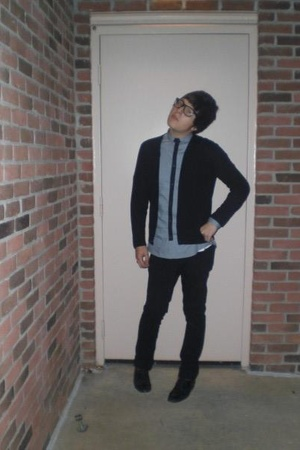 Gap sweater - H&M shirt - thrifted shoes