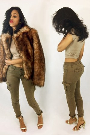 camel crop top top - dark brown faux fur coat - dark khaki cargo pants