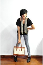 scarf - Mango t-shirt - jeans - Guess purse - shoes