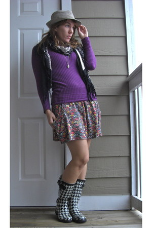 purple Express sweater - pink Zara skirt - black Target boots - heather gray Tar