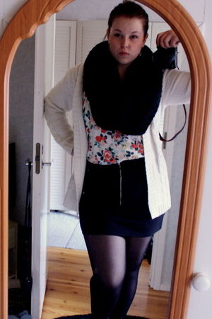 white H&M top - black Only skirt - black H&M scarf - white GINA TRICOT cardigan